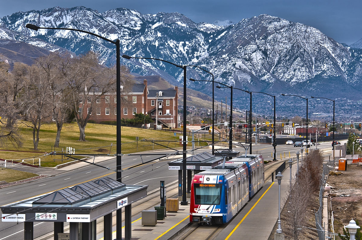 1200px-TRAX_Red_Line_to_Daybreak_at_Fort_Douglas_Station.jpg